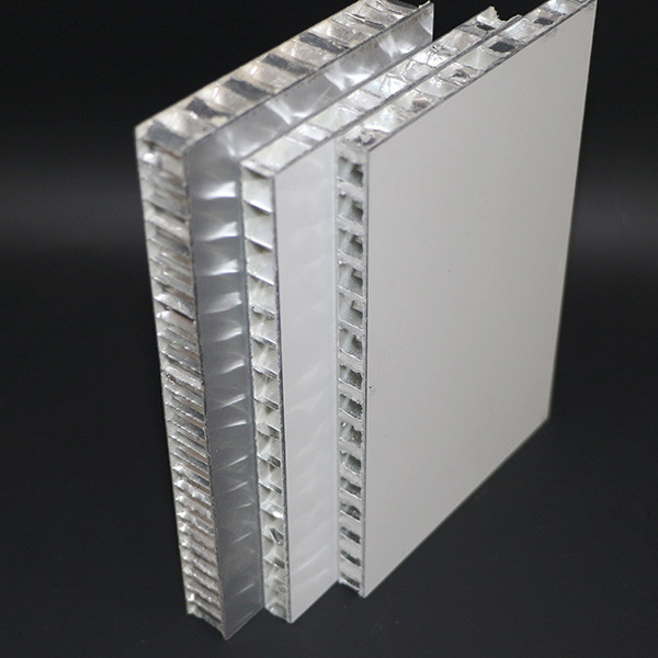 20mm Thickness Aluminum Honeycomb Panel , 10mm Metal Core