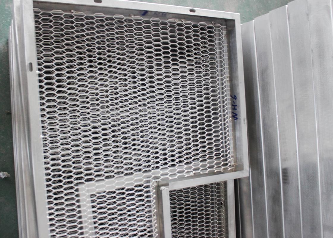 Metal Mesh Commercial Ceiling Tiles For Building Decoration Aluminum Grid Plate